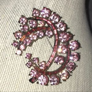 🎉HP🤗 Pink Stone Cluster Brooch